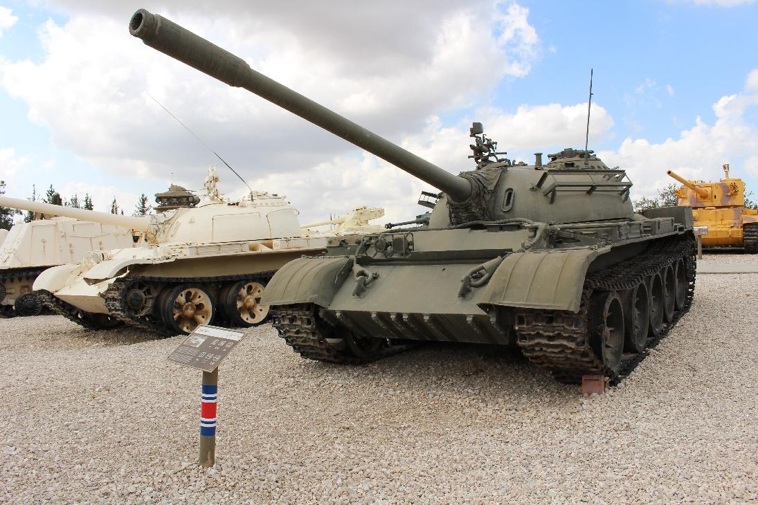1019 T54B Tank