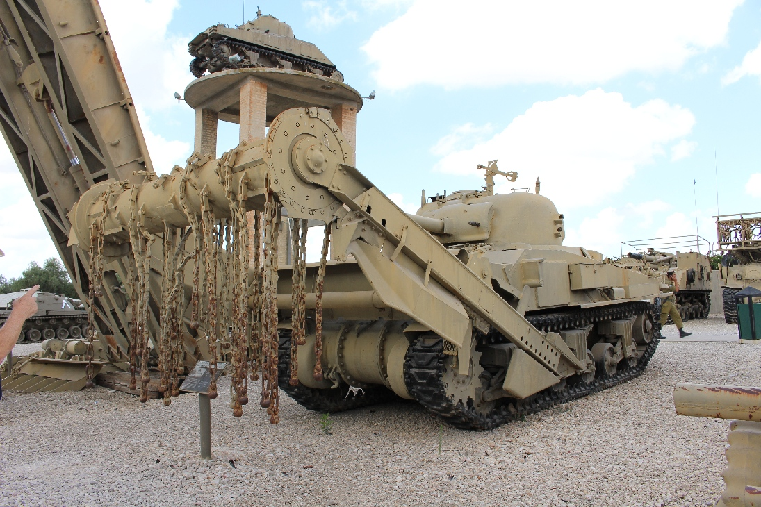 1111 M4A4 Sherman Minenräumpanzer