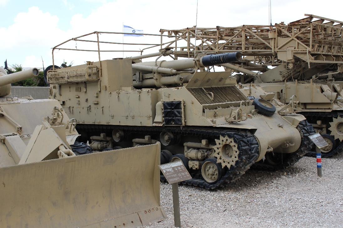 1118 M50 Sherman 155mm SPG Seite