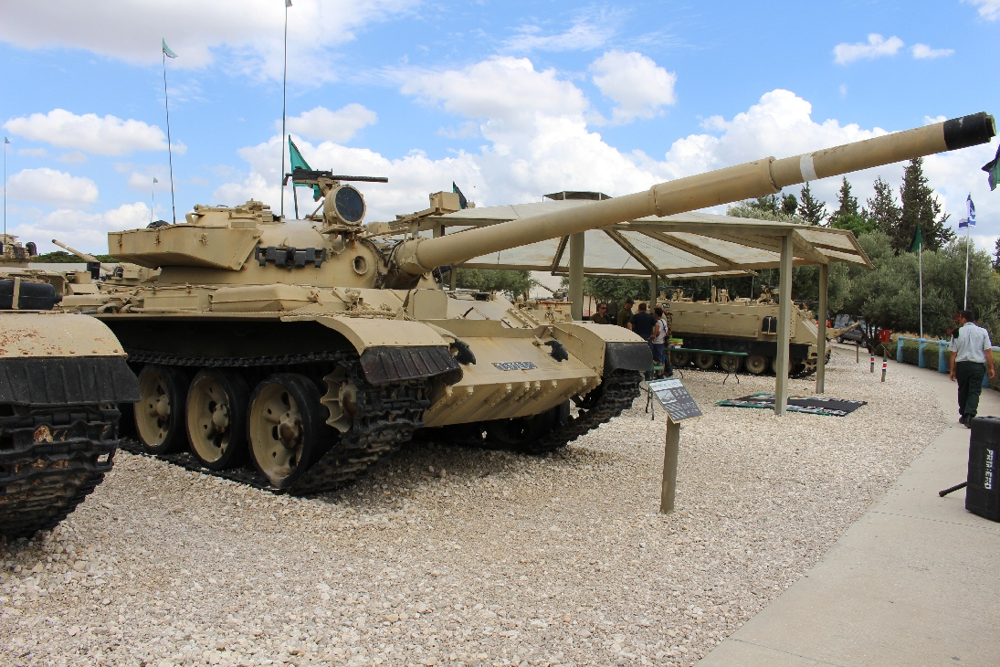 1145 Tiran 6 T62 Tank