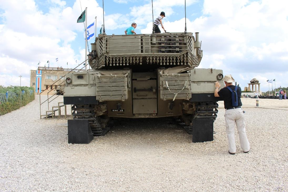 1162 MBT Merkava Mk. IV Rückansicht